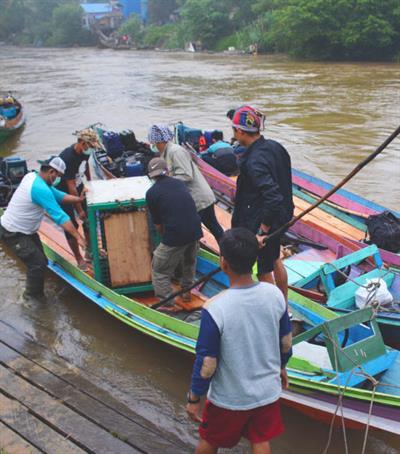 Beschwerliche Reise von Nyaru Menteng bis zum Auswilderungsgebiet