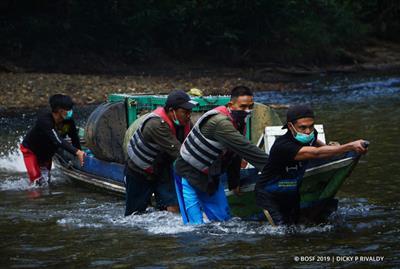 Bootsfahrt zur Orang-Utan-Auswilderung