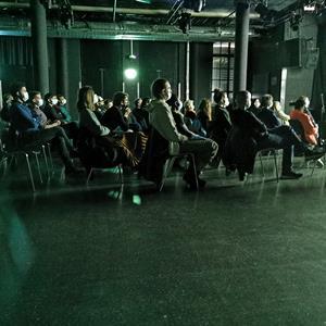 Publikum am Filmabend in der Roten Fabrik