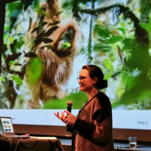Dr. Sophia Benz, Vortrag in der Roten Fabrik zum Thema Biodiversität